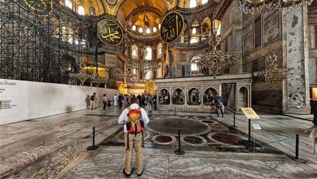 متحف آيا صوفيا في اسطنبول تركيا