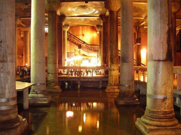 صهريج البازيليك القصر المغمور اسطنبول - قصور اسطنبول