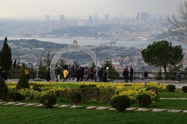تل العرائس اسطنبول اجمل الحدائق في اسطنبول