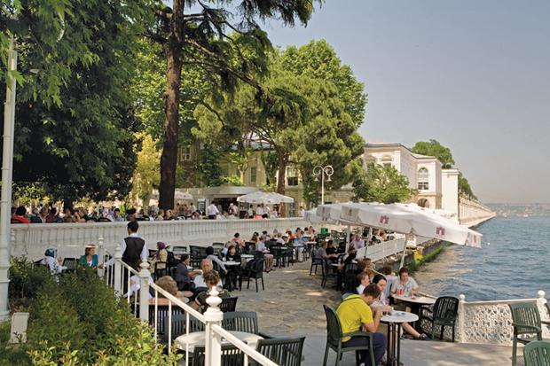 قصر دولما بهجة اسطنبول