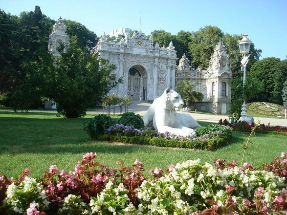 قصر دولمة بهجة اسطنبول -قصور اسطنبول