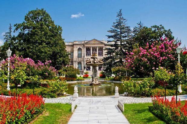 قصر دولمة بهتشة اسطنبول