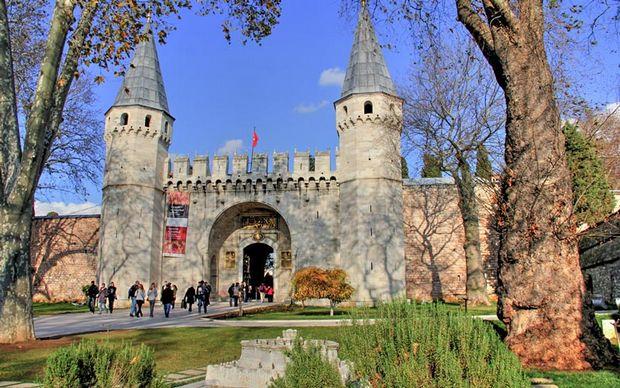 قصر توبكابي في اسطنبول
