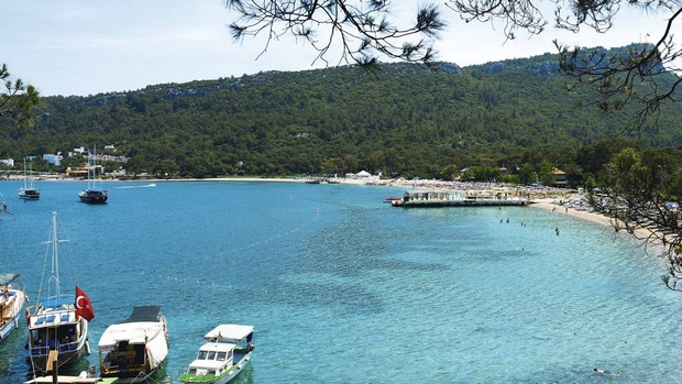شاطئ كيمر في انطاليا - اجمل شواطئ تركيا انطاليا