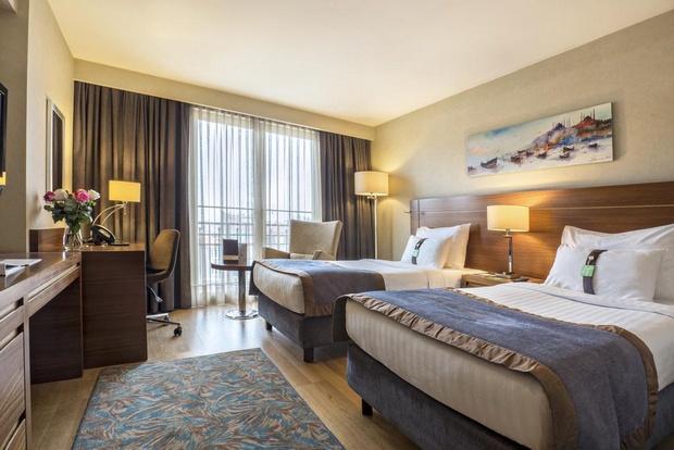 فندق هوليدي ان اسطنبول شيشلي - افضل فنادق شيشلي اسطنيول