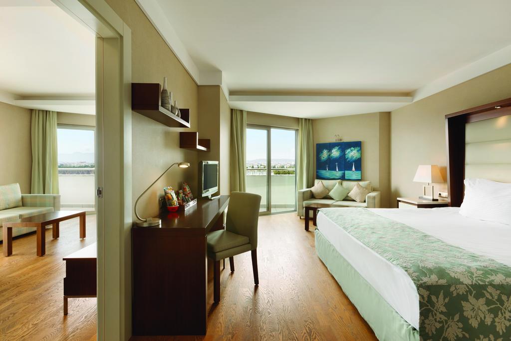 فندق رمادا بلازا انطاليا - افضل فندق في انطاليا على البحر