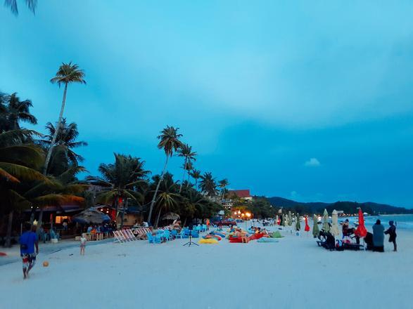 شاطئ سينانج لنكاوي - افضل الاماكن في لنكاوي