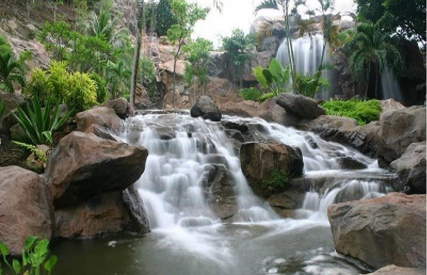 الشلالات السبعه في لنكاوي - الاماكن السياحية في لنكاوي