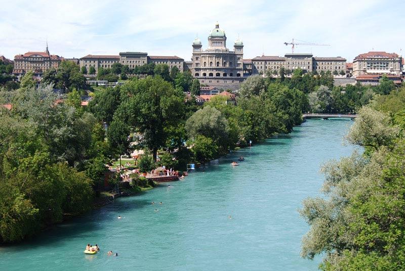 نهر آر سويسرا - السياحة في انترلاكن