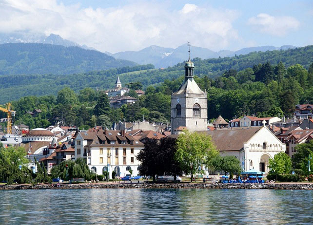 بحيرة ليمان جنيف - اماكن سياحية في جنيف