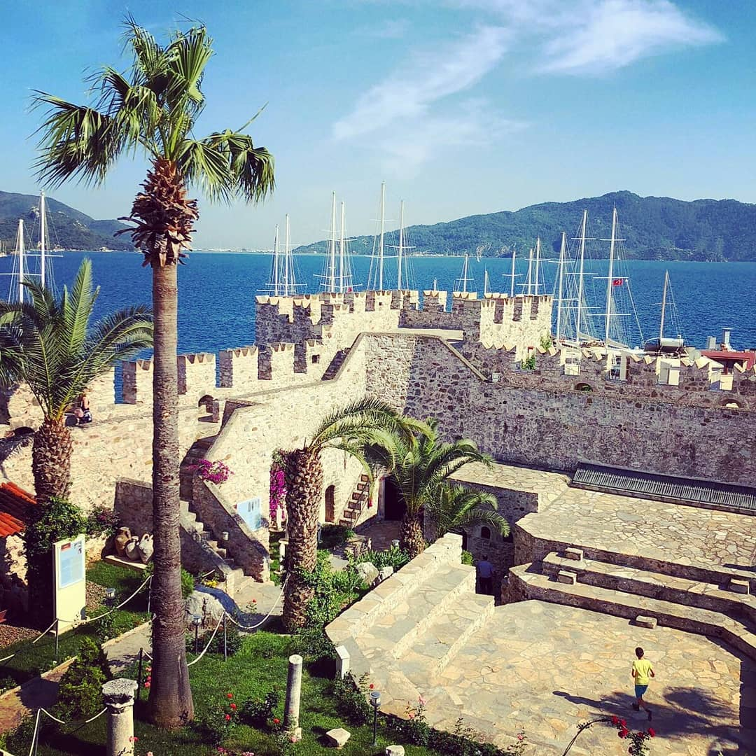 قلعة مرمريس - الاماكن السياحية في مرمريس