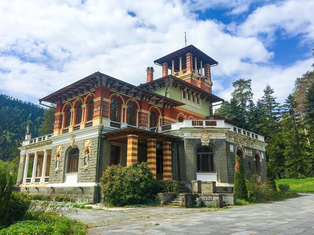 قصر رومانوف في بورجومي - السياحة في بورجومي