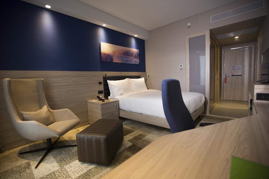 فندق هامبتون باي هيلتون بولو - فنادق في بولو