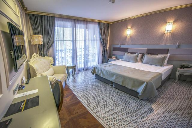 فنادق في ريزا