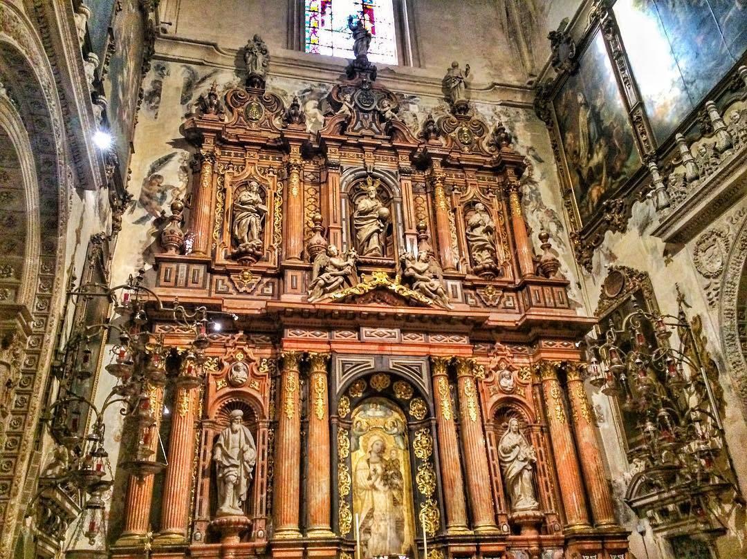 كاتدرائية اشبيلية - الاماكن السياحية في اشبيلية