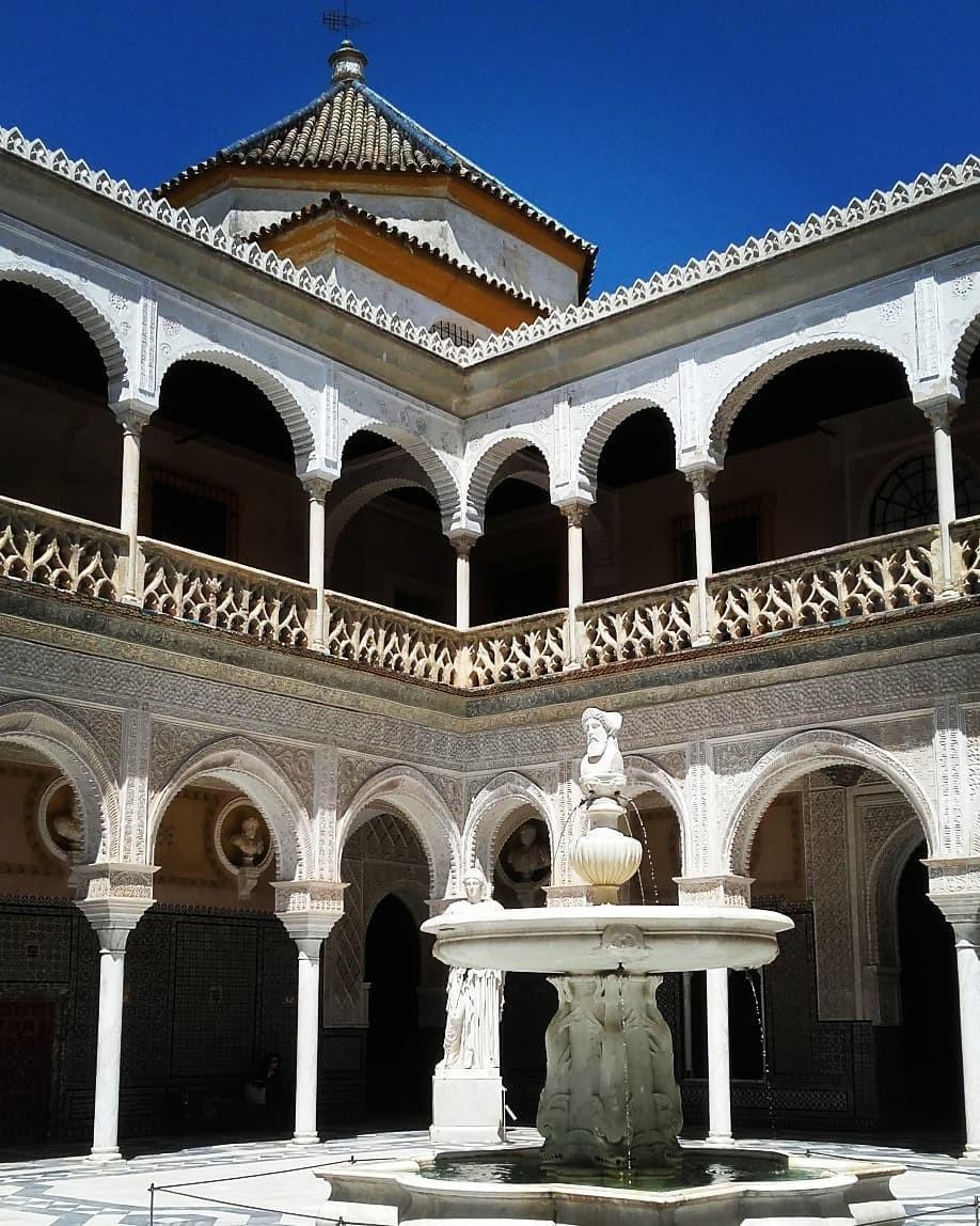 قصر كاسا دي بيلاتوس - الاماكن السياحية في اشبيلية