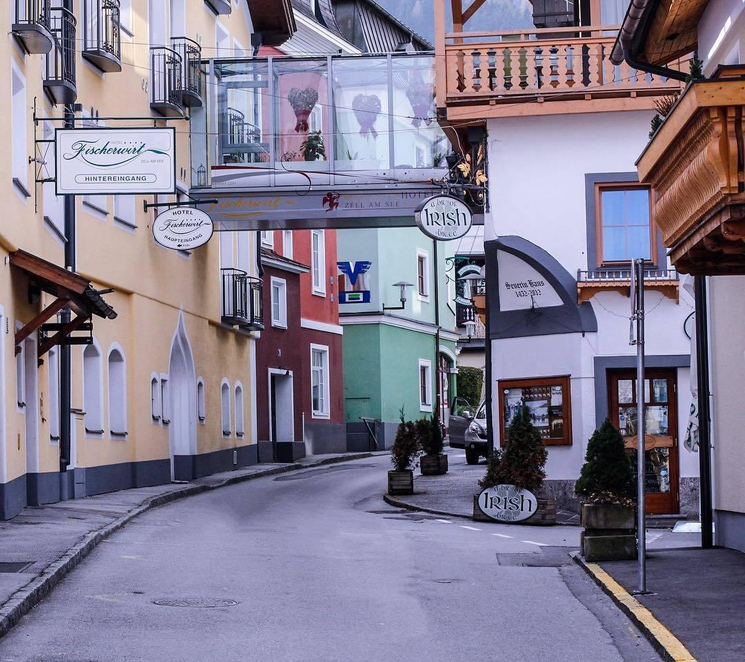 جولة في الحي القديم في زيلامسي النمسا   تورنا