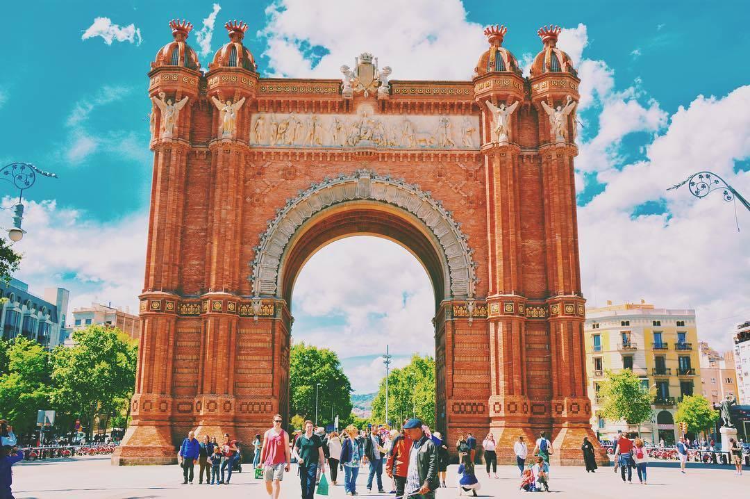 قوس النصر برشلونة