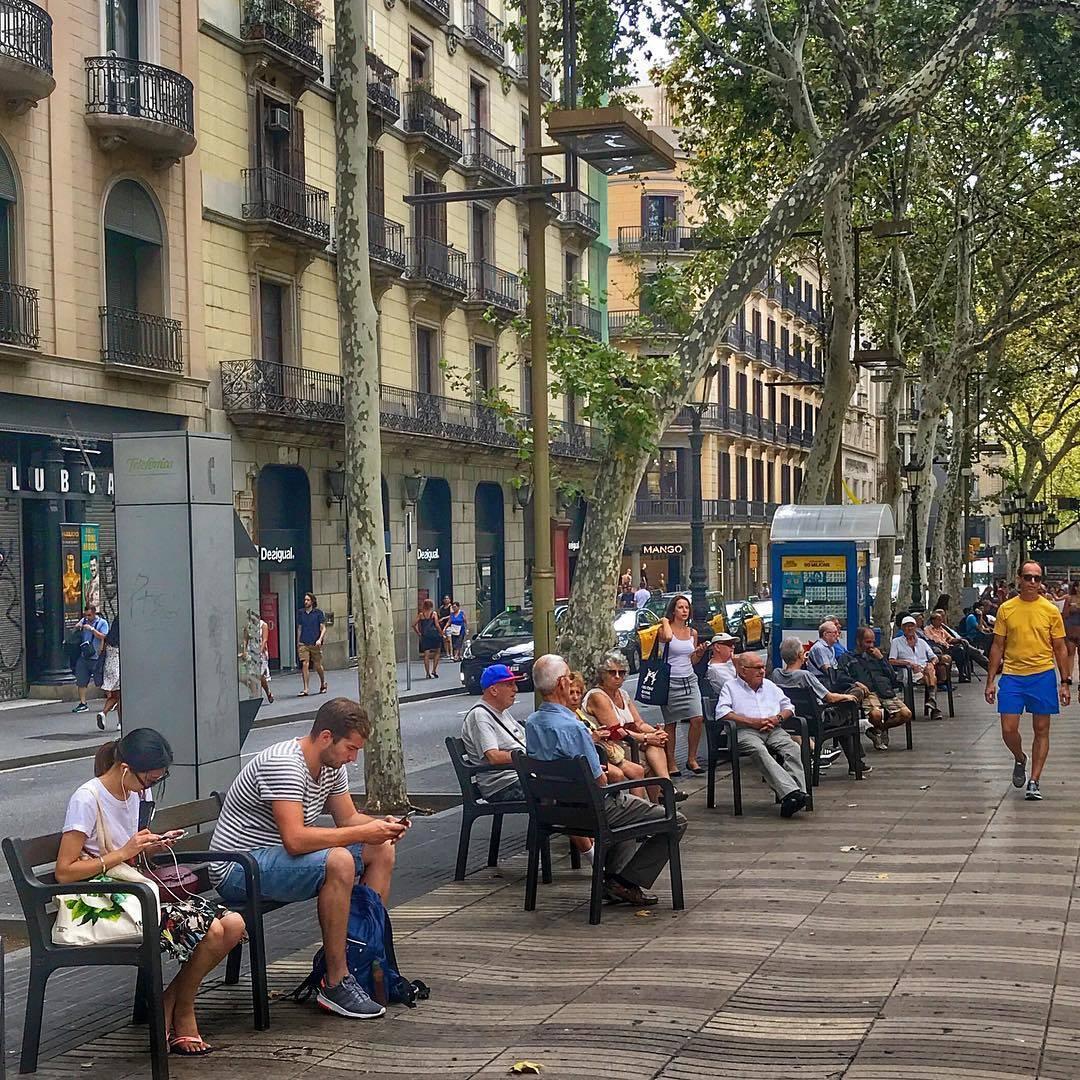 شارع الرامبلا - الاماكن السياحية في برشلونة