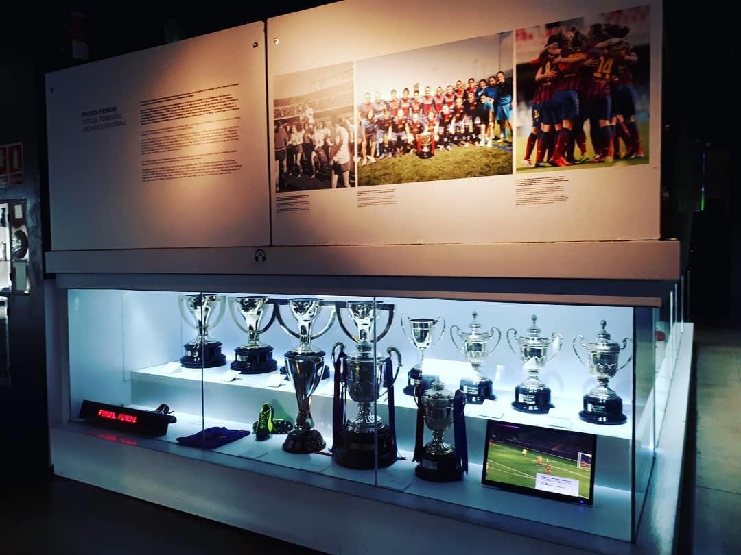 متحف نادي برشلونة الشهير - افضل الاماكن في برشلونه