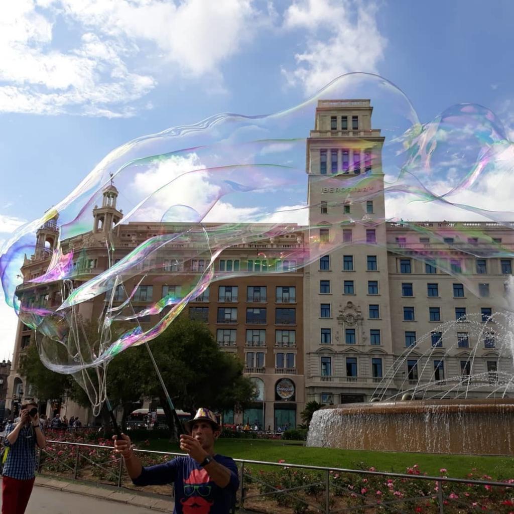 ساحة كاتالونيا برشلونة - افضل الاماكن في برشلونه
