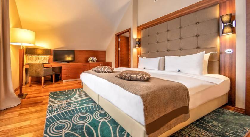 فندق كراون بلازا بورجومي - فنادق بورجومي جورجيا