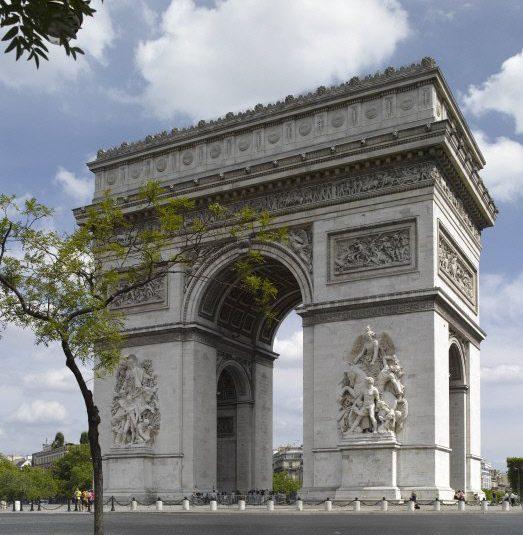 قوس النصر في باريس