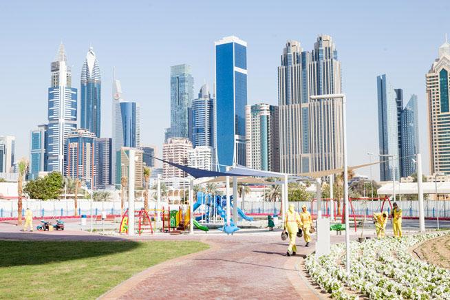 زيارتي وصديقاتي لـ حديقة برج خليفة بنات بطوطة