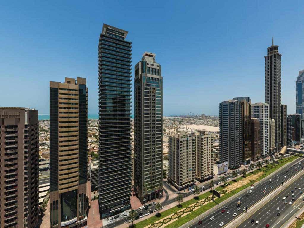 شارع الشيخ زايد دبي