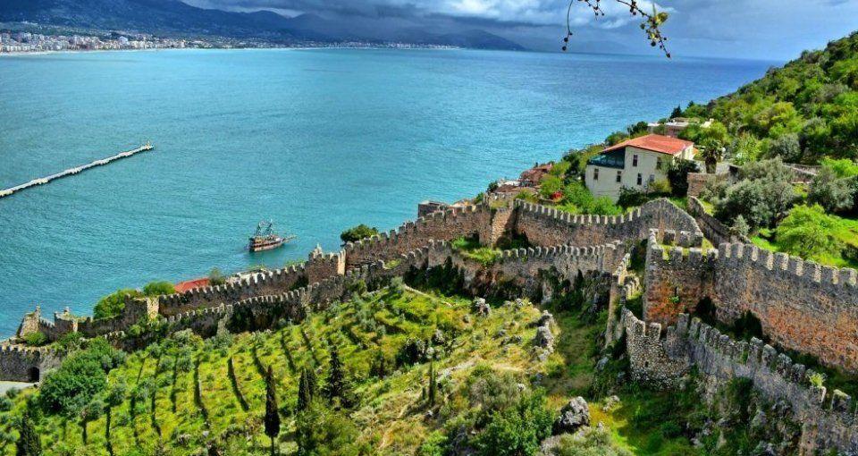 قلعة الانيا
