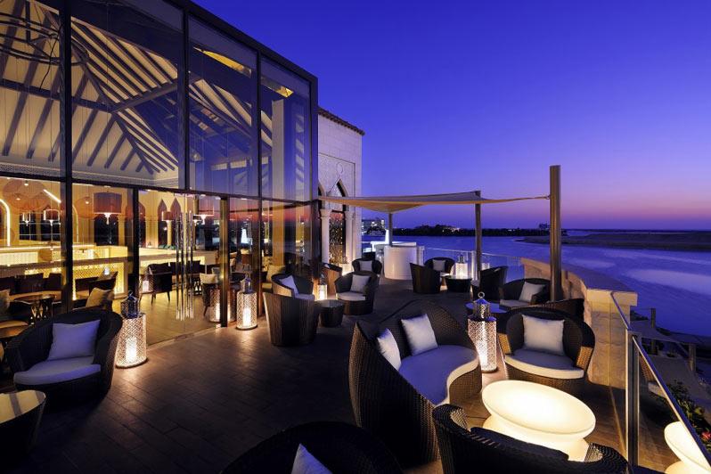 مطعم بيبلوس البحر ابوظبي