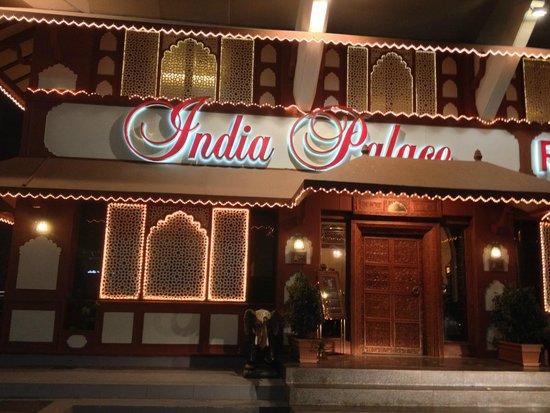 مطعم قصر الهند ابوظبي