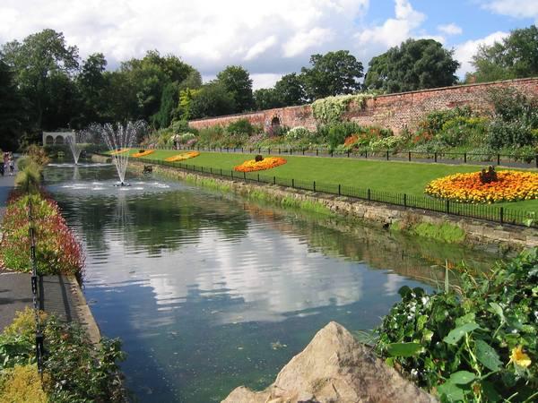 حديقة راوند هاي بارك ليدز